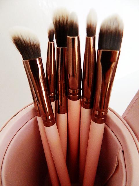 pinceau pot luxie beauty