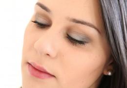 Comment se maquiller discretement les yeux - Comment se maquiller les yeux verts ...