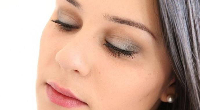 Maquillage doux et naturel