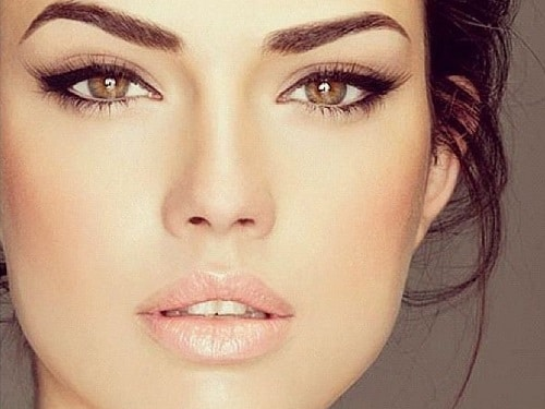 Maquillage-des-yeux-marron