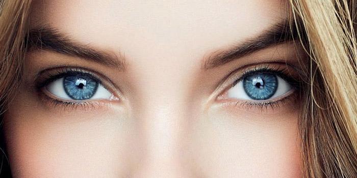 le maquillage des yeux bleus   technique et conseils