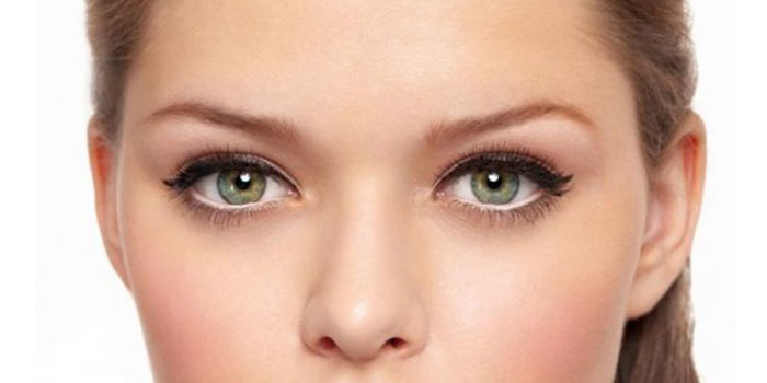 maquillage yeux clairs