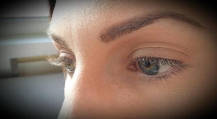 Assez Comment maquiller des yeux en amande DX66