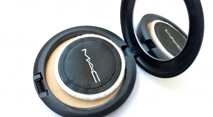 test La poudre matifiante Blot Powder de Mac
