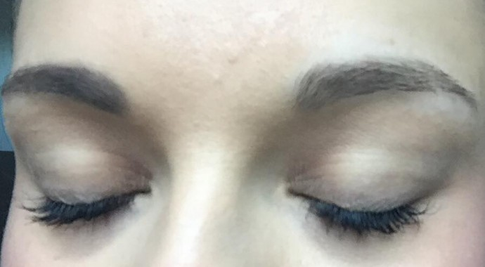 résultat maquillage sourcils too faced