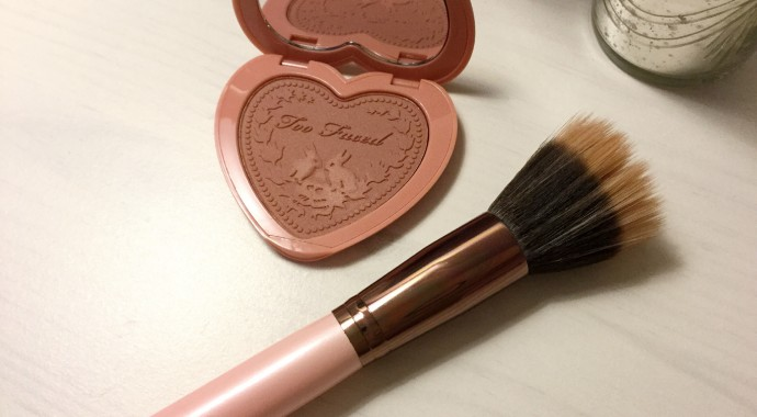 pinceau blush too faced