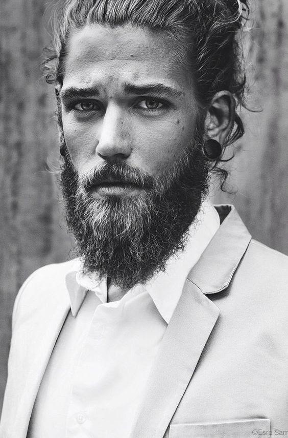 Top 25 des plus beaux hommes barbus - Plus beaux hommes ...