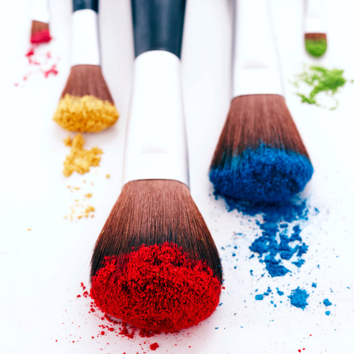 Comment bien nettoyer ses pinceaux - Utilisation pinceaux maquillage ...