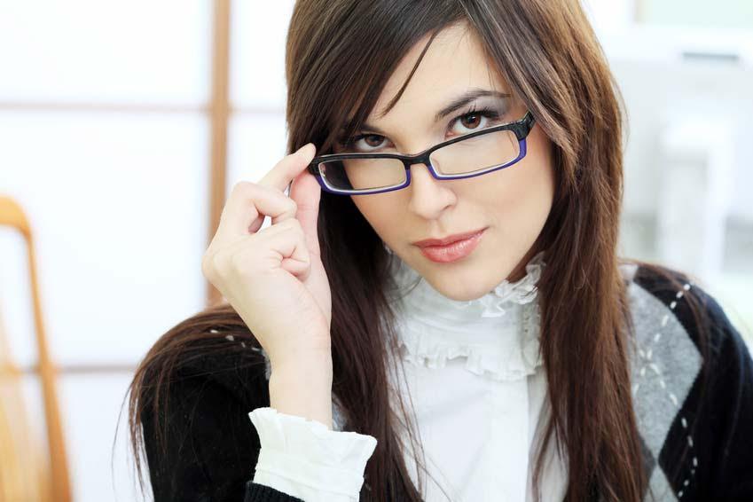 Astuces pour se maquiller quand on porte des lunettes - Lunette pour se maquiller ...