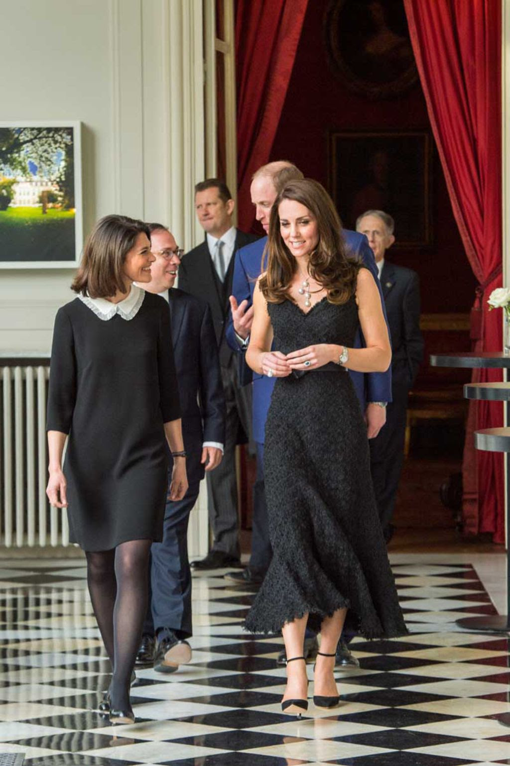 les plus belles tenues de kate middleton. Black Bedroom Furniture Sets. Home Design Ideas