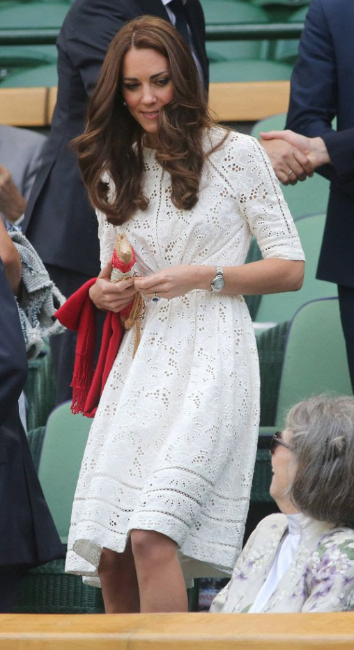 Robe broderie anglaise kate middleton