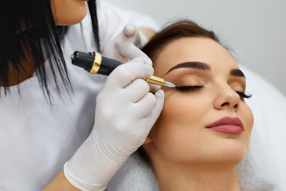 Tout savoir sur le maquillage permanent des yeux