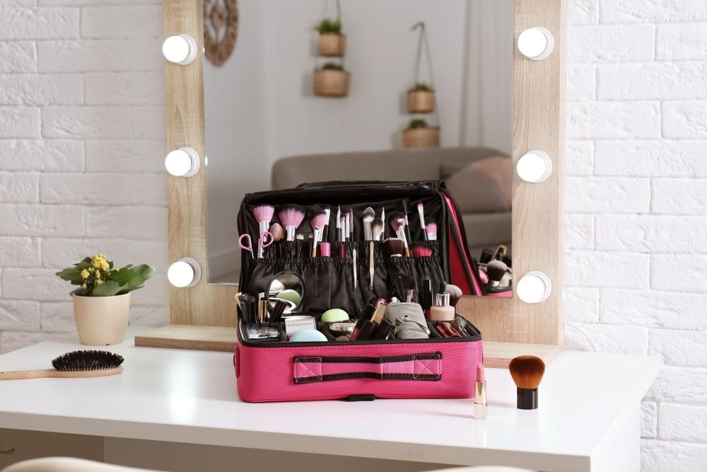 Mallette de maquillage comment la choisir Prix, design, utilités...
